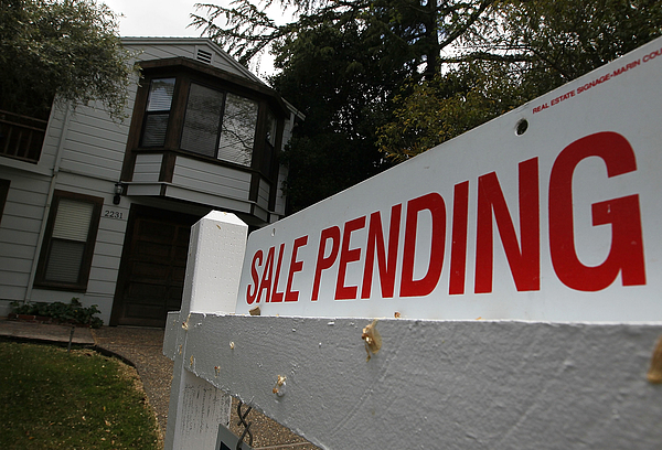 April Home Sales Rise As Buyers Take Advantage Of Expiring Govt Tax Credit Photograph by Justin Sullivan