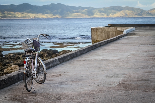 Bicycle On Pier Photograph by Juan Alfredo Patag / EyeEm