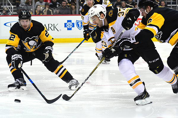 Boston Bruins v Pittsburgh Penguins Photograph by Matt Kincaid