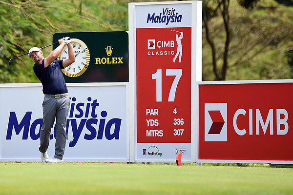 CIMB Classic - Round Four Photograph by Stanley Chou