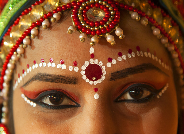 Close up of lovely Hindu lady. Photograph by Grant Faint