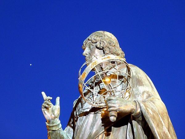 Copernicus pointing to a planet (Venus?) Photograph by Frans Sellies