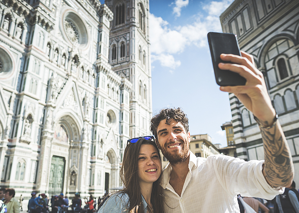 Couple Of Tourists In Florence, Travelling Around Italy Photograph by Piola666