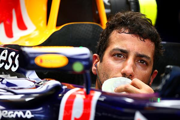 F1 Grand Prix of Mexico - Practice Photograph by Clive Mason