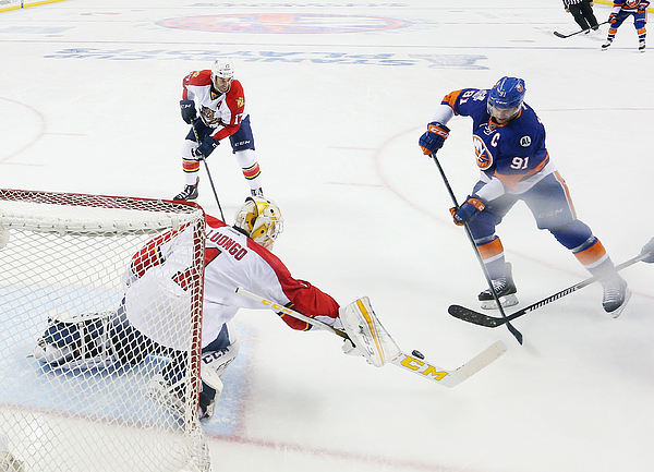 Florida Panthers v New York Islanders - Game Three Photograph by Bruce Bennett