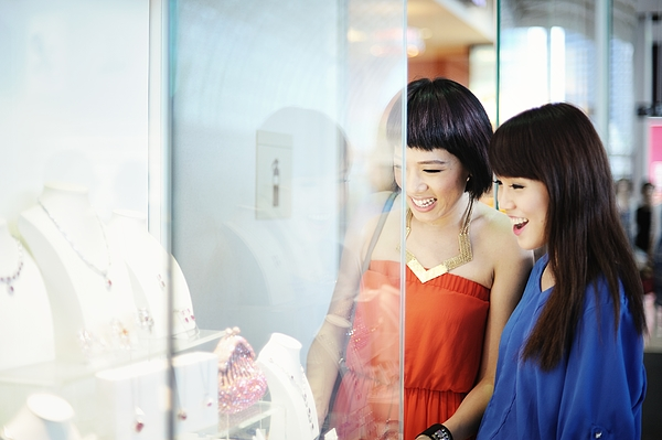 Friends Shopping For Jewlery Photograph by Carlina Teteris