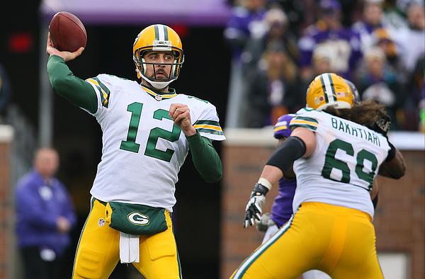 Green Bay Packers v Minnesota Vikings Photograph by Adam Bettcher