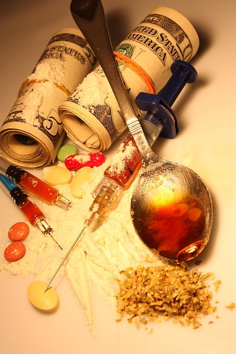 Heroin addiction Photograph by Aydinmutlu