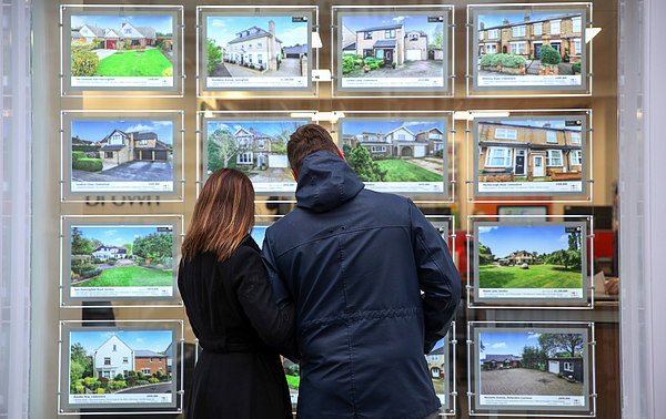 Housing Market As U.K. Asking Prices Rose An Annual 7.4 Percent in December Photograph by Bloomberg