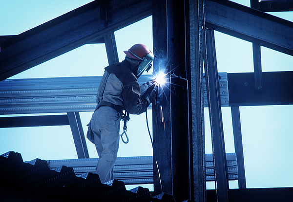 Iron Worker Welding I Beam Photograph by Dny59