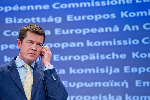 Karl-Theodor zu Guttenberg Speaks At European Commission Photograph by Getty Images