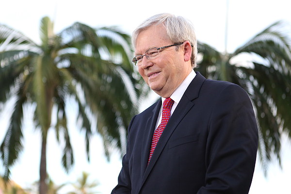 Kevin Rudd In Townsville As Campaign Enters Final Week Photograph by Stefan Postles