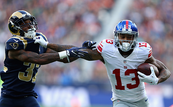 Los Angeles Rams v New York Giants Photograph by Warren Little