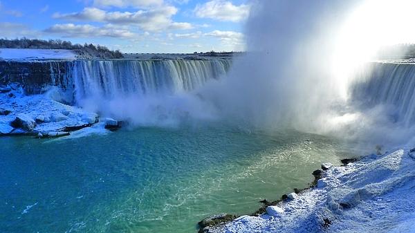 Niagara Falls Photograph by Piero Damiani