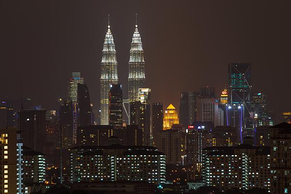 Night View Of Klcc In Kuala Lumpur Photograph by Shaifulzamri
