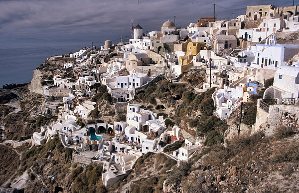 Oia Photograph by Photo by Victor Ovies Arenas