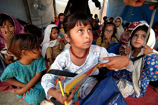 Pak: Swat Valley Refugees Photograph by Jonathan Alpeyrie