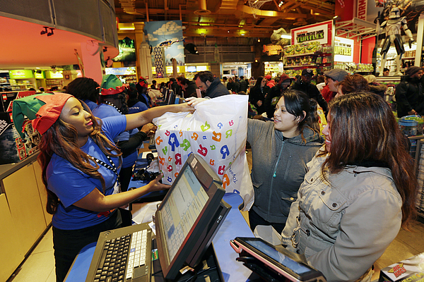 Shoppers Inside Toys R Us Inc. Stores Ahead Of Black Friday Sales Photograph by Bloomberg