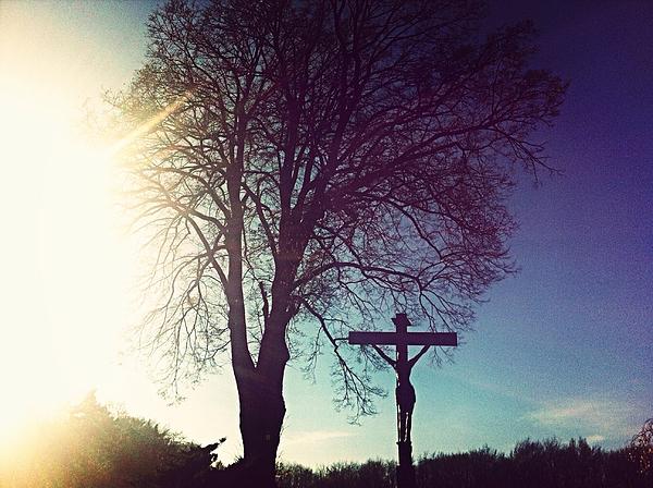 Silhouette of Christ On Cross Against Sky Photograph by Caroline Schneider / EyeEm