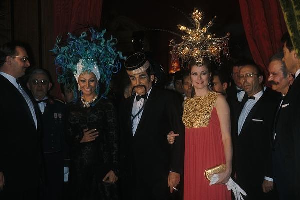Sophia Loren à un bal masqué Photograph by Jean-Pierre REY