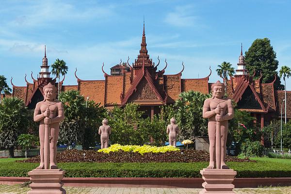 Statues At Royal Palace Photograph by Keren Su