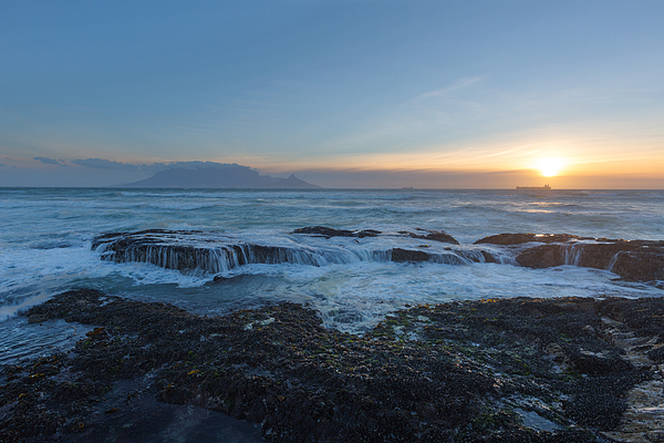 Table Mountain sunset Photograph by Hannes Thirion