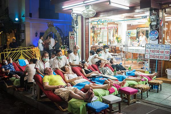 Thai Massage At Khaosan Road Photograph by Taikrixel
