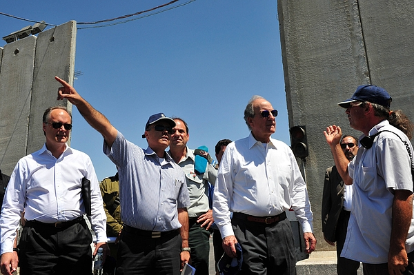 U.S. Middle East Envoy Visits Gaza Crossing Photograph by Pool