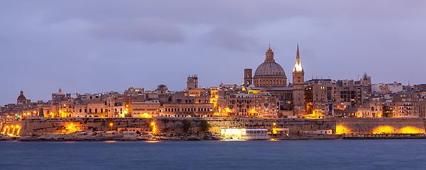 Valletta Cityscape Photograph by Wolfgang Wörndl