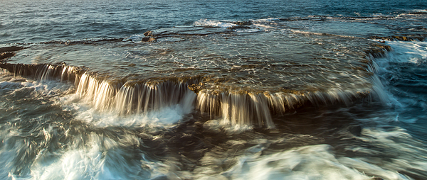 Waves Splashing On Rocks At Beach Photograph by Ho Ngoc Binh