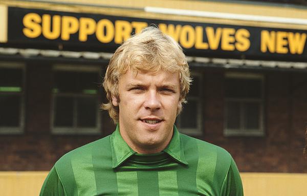 Wolverhampton Wanderers goalkeeper Paul Bradshaw 1982 Photograph by David Cannon