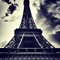 #paris by Ritchie Garrod