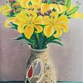 Dotted Vase by Lian Zhen