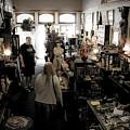 Fair Oaks Antique Shop by Lee Santa
