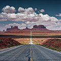 Monument Valley by BrusselsImages