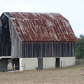 Moss Bluff Barn by Warren Thompson