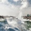 Niagara Falls 4601 by Guy Whiteley