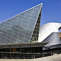 Taubman Museum Of Art Roanoke Virginia by Teresa Mucha