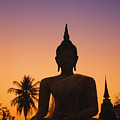 Wat Mahathat by Gloria and Richard Maschmeyer - Printscapes