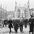 Winston Churchill 1874-1965, Walks by Everett