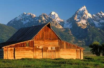 online contest - beautiful barns or cabins