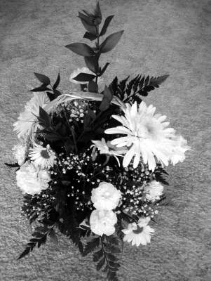 Online Contest Black And White Flower Arrangements