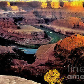 Barbara D Richards - Sunrise At Dead Horse Point