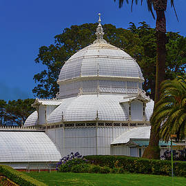 Beautiful Conservatory Of Flowers - Garry Gay