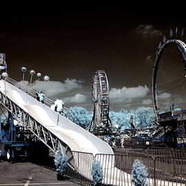 Paul W Faust -  Impressions of Light - Carnival in Infrared light