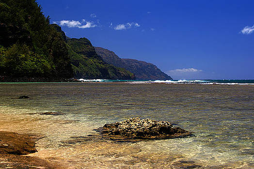 Robert Lozen - KE E BEACH NAPALI COAST SUMMER