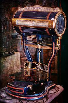 Gunter Nezhoda - Antique Scale