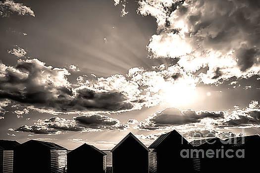 Simon Bratt Photography LRPS - Beach huts in black and white