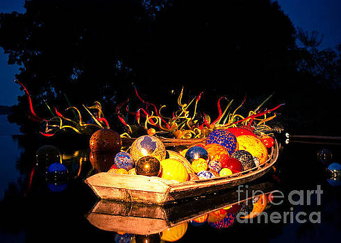 Sonja Quintero - Chihuly Glass at Night