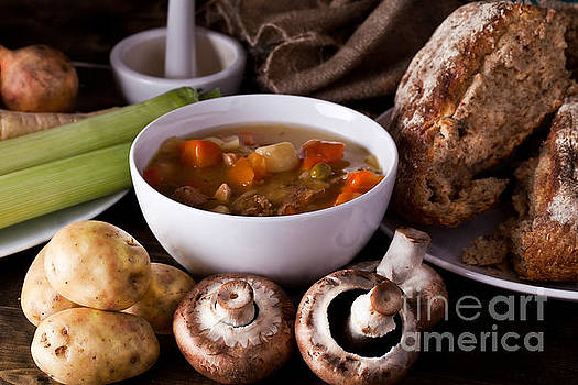 Simon Bratt Photography LRPS - Home made soup and bread